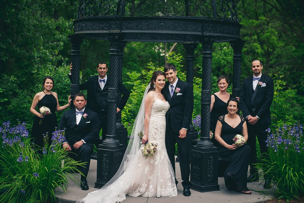 bridal party wedding photo at the elmhurst inn