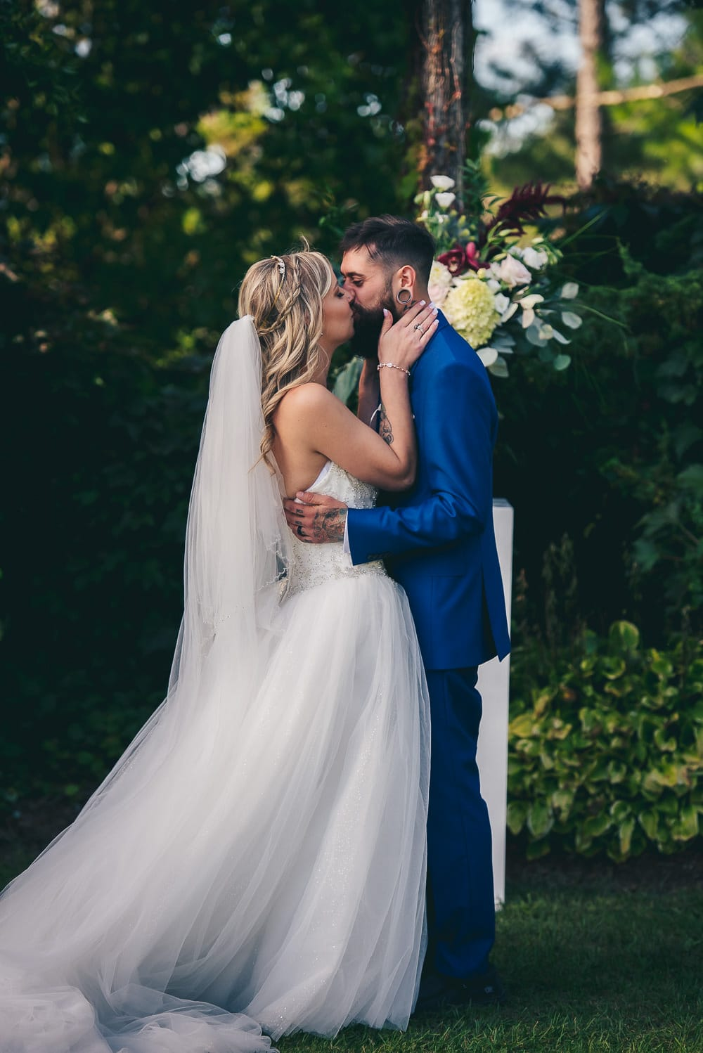 first kiss during wedding ceremony at craigowan golf club