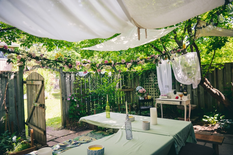 Covid-19 Couple Magdalena & Tillo: An Intimate Backyard Wedding in Kitchener, Ontario 6