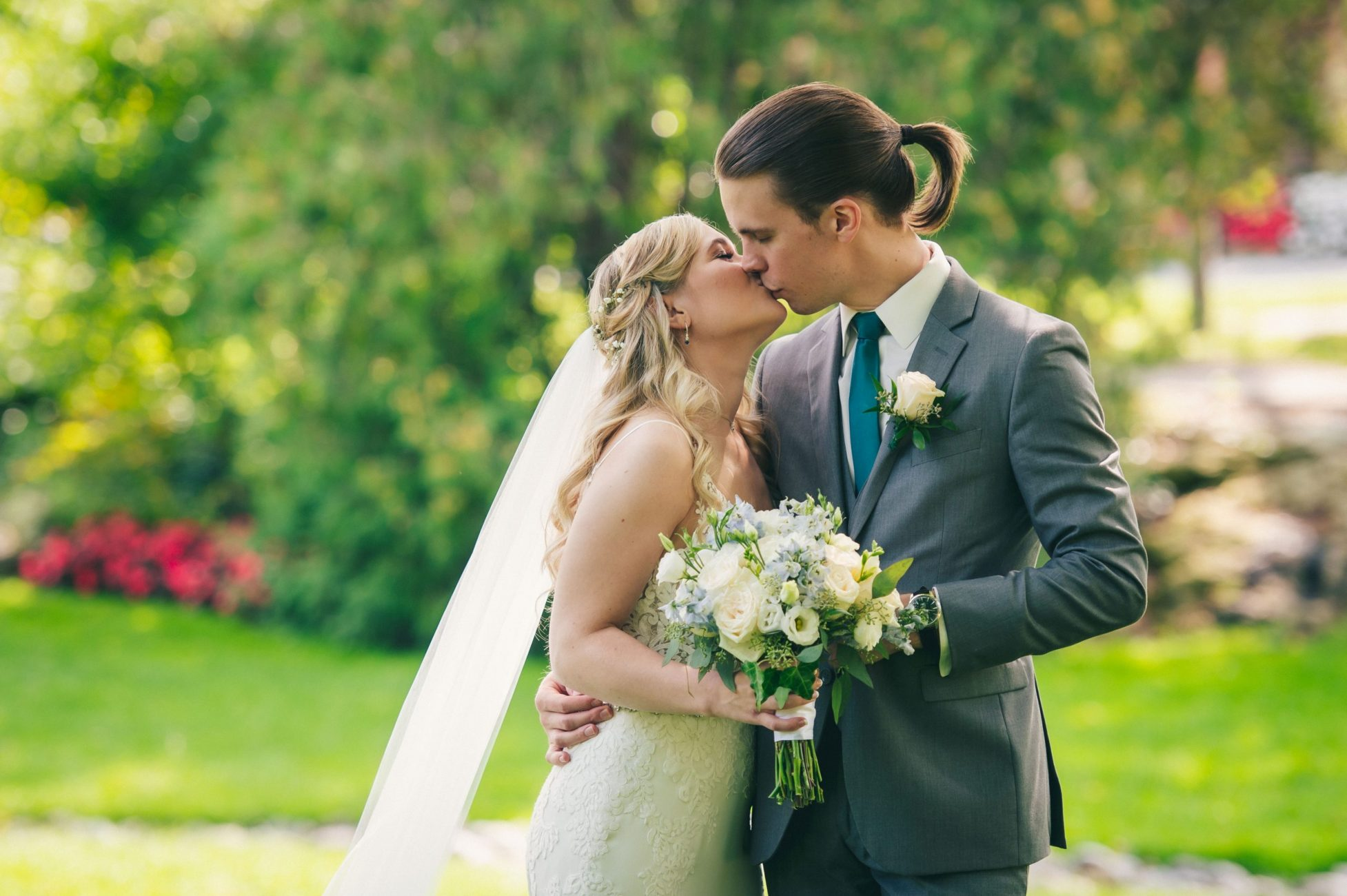 adding plus ones for your wedding day